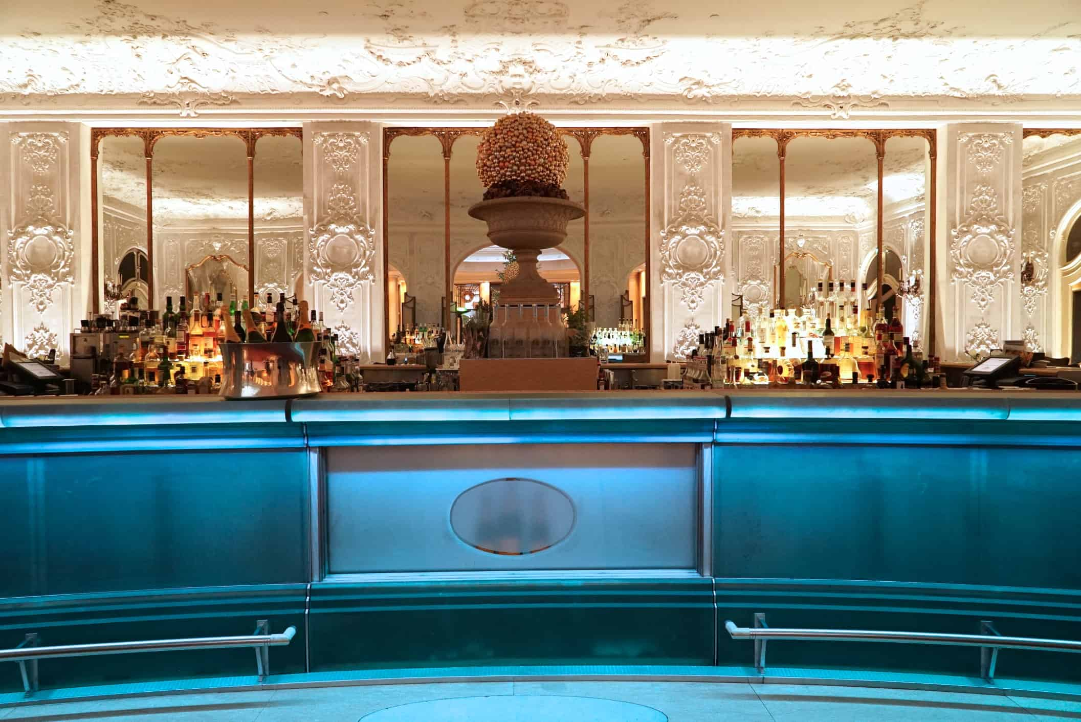 Stuck trifft Moderne: Falk's Bar im Hotel Bayerischer Hof