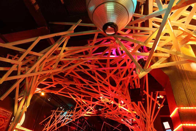 """Die Architektur im Hive Club ändert sich beim """"Morphing Clubbing"""""""