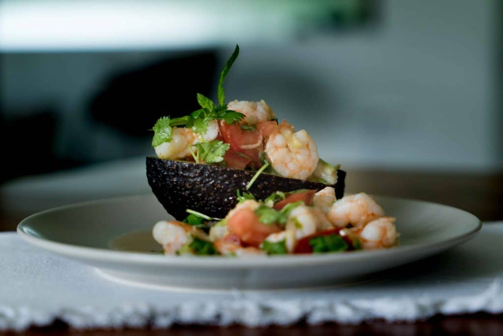 avocado shrimps salat