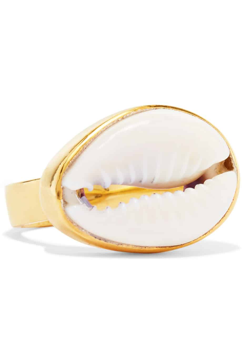 Goldener Ring mit großer Muschel