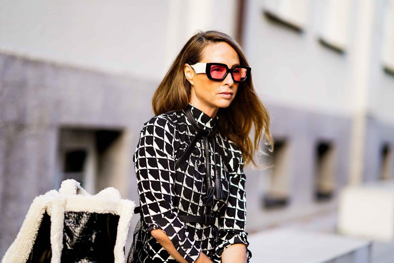 Ü40 Bloggerin und Anti Aging Expertin Nicki Nowicki mit Gucci Hollywood Sonnenbrille