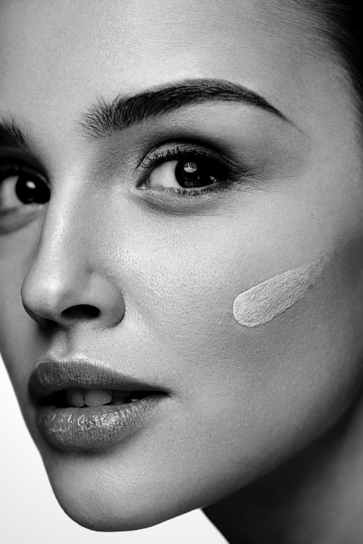die beste Feuchtigkeitspflege für trockene Haut - getestet von Anti Aging Expertin und ü40 Bloggerin Nicki Nowicki