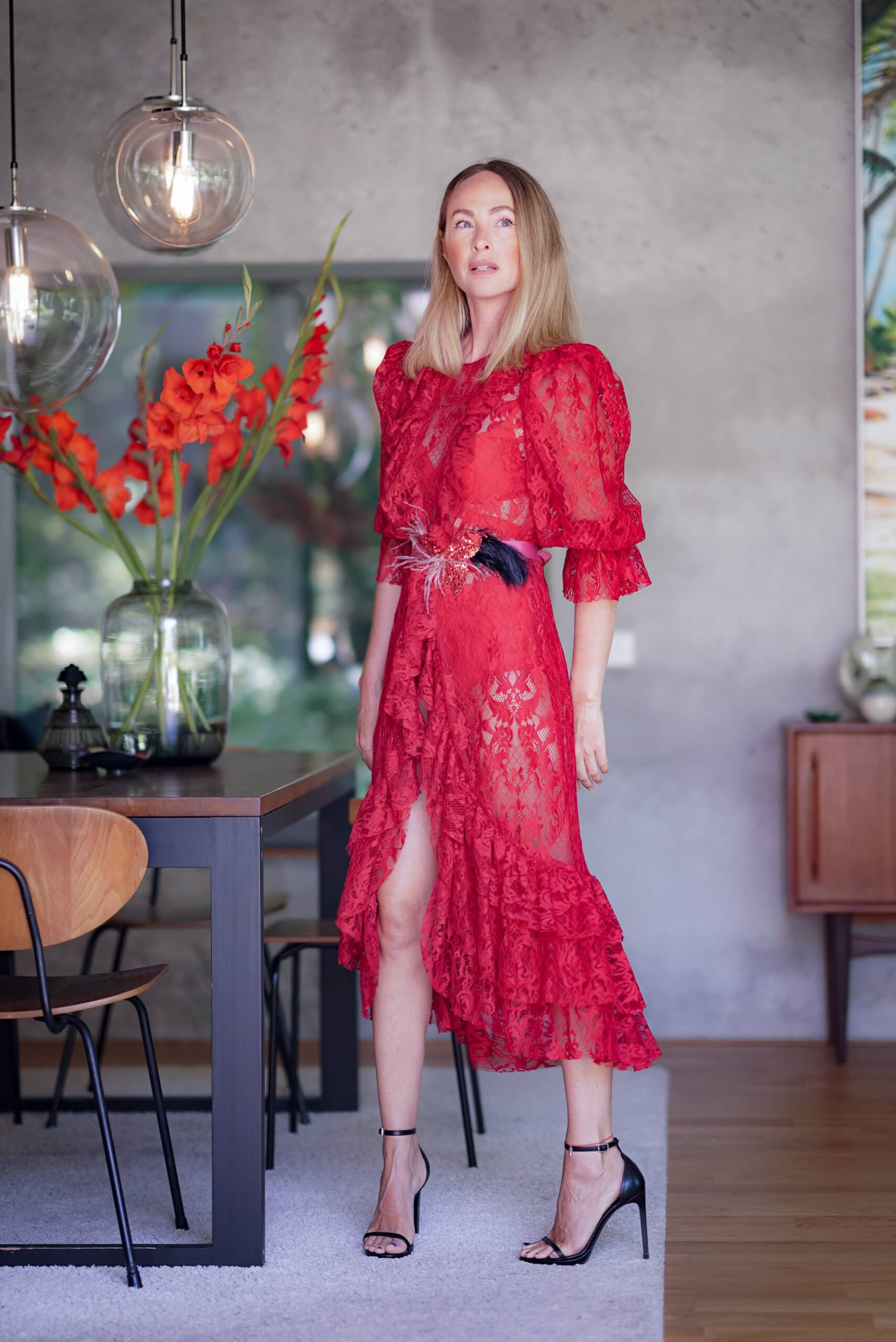 fashion faszination: das rote kleid - rebel in a new dress